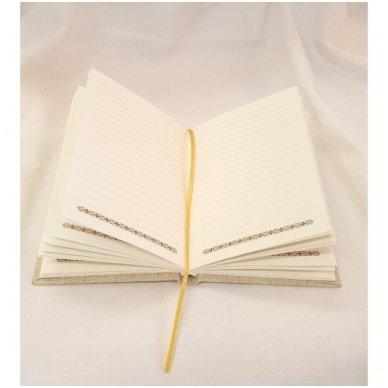 Užrašų knyga drobiniais viršeliais su medine detale 2