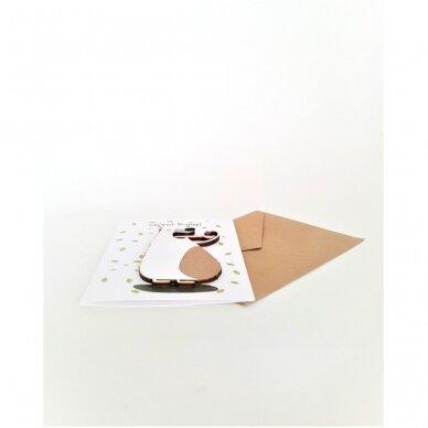 Rankų darbo atvirukas su medine detale 325 3